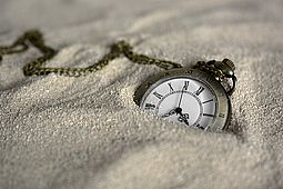 csm_pocket-watch-3156771_1920_59a5f47e50.jpg